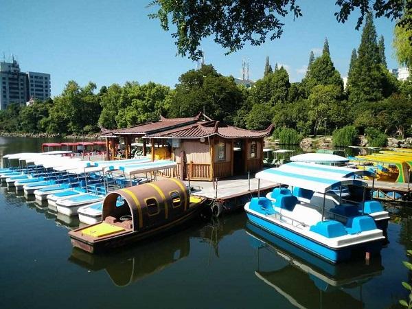 东湖水上乐园游船